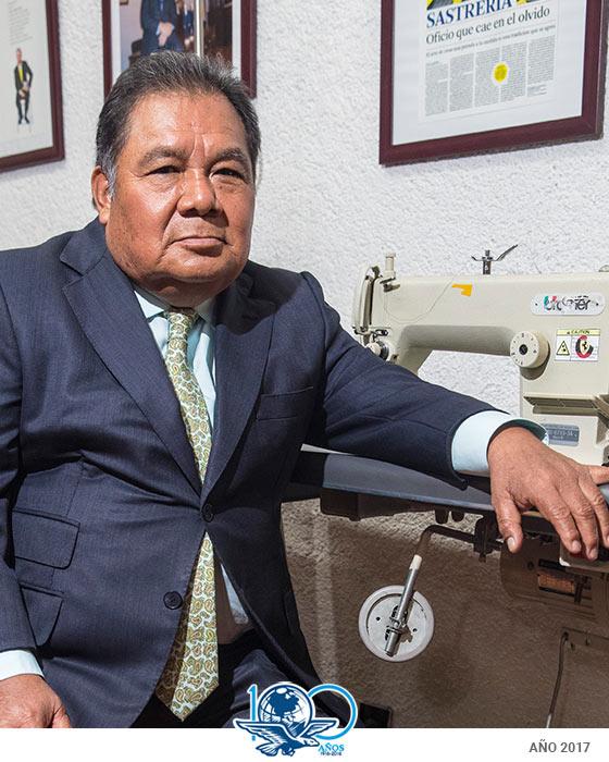 Sastres mexicanos reconocen que en la actualidad la sociedad está perdiendo  la cultura por vestir a la medida. Y es cierto d13fbb76e898